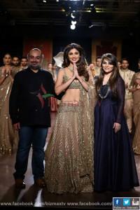 Rimple and Harpreet Narula with Shilpa Shetty (41)