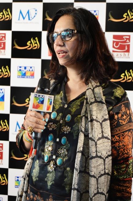 Roshaneh Zafar while talking to media
