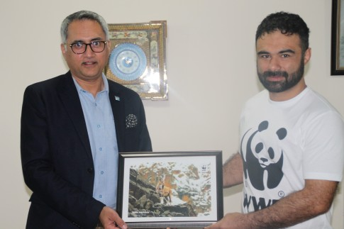 bashir-ahmad-with-hammad-naqi-khan-director-general-wwf-pakistan-during-the-siging-ceremony
